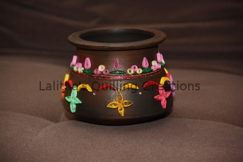 Quilling on a pot